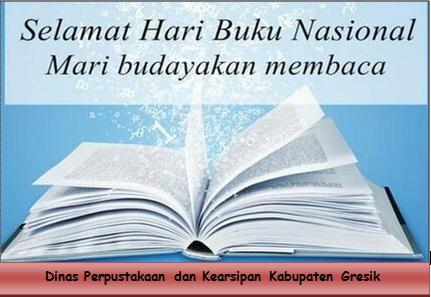 Perpusda Gresik Memberikan Kejutan kepada Pemustaka yang Rajin Pinjam Buku pada Hari Buku Nasional Tahun 2017